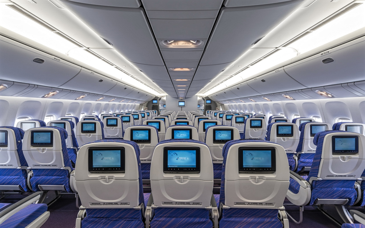 Maxresdefault further B China Southern Airlines Economy Class also United Economy Class Cabin as well A B C A F Thai A Business Class B together with Airbus A Business Class. on airbus a350 vs a380