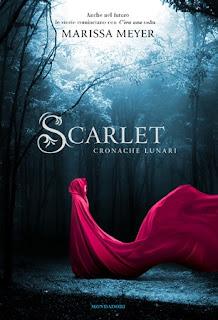 copertina di Scarlet Cronache Lunari di Marissa Meyer