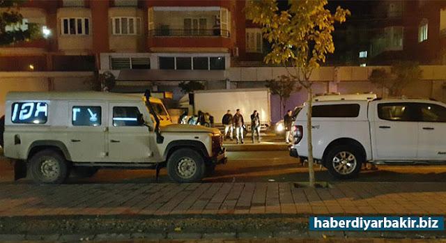 DİYARBAKIR-Diyarbakır Bağlar'da polis ile PKK'liler arasında yaşanan çatışmayla ilgili valilik tarafından açıklama yapıldı.