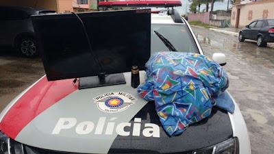 POLÍCIA MILITAR PRENDE CRIMINOSO COM PRODUTOS FURTADOS EM ILHA COMPRIDA