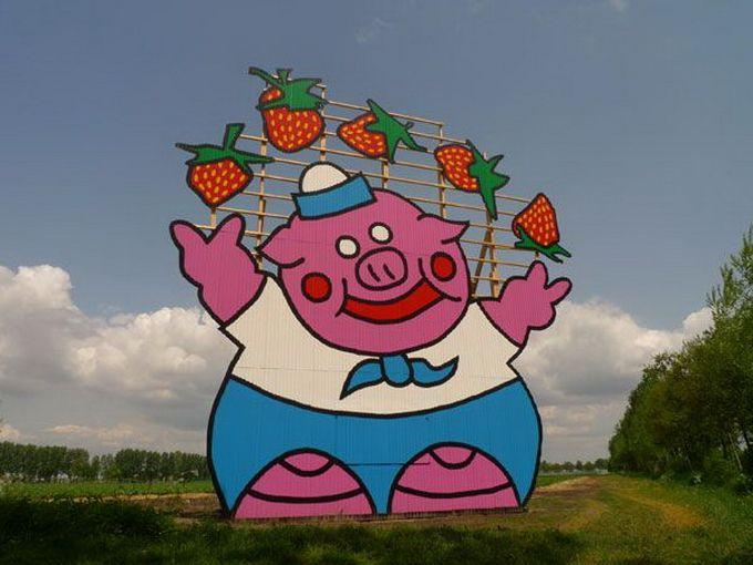 Escultura gigante de cerdo