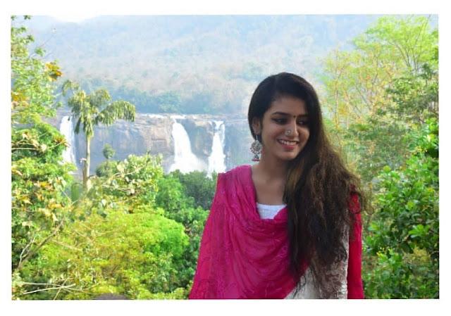 images of actress Priya Prakash