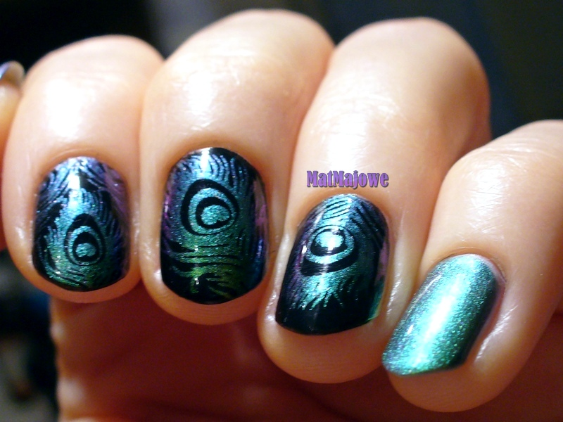 Stamped peacock feathers,Dance Legend Black Peel-Off base, ILNP Mutagen, Kaleidoscope STM-51 Papilio Machaon by El-Corazone, HK Glisten and Glow Top Coat, Moyou London Pro 03, BPS BP-75, stamping, plate, nailpolish, nails, paznokcie, lakier, duochrome,