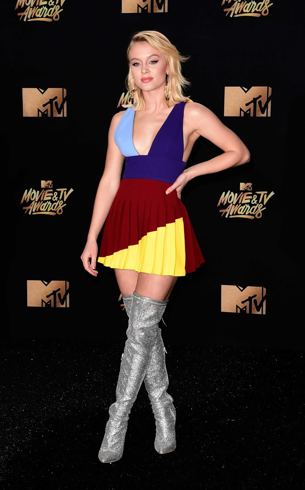 Zara Larsson wears plunging mini dress to the 2017 MTV Movie and TV Awards