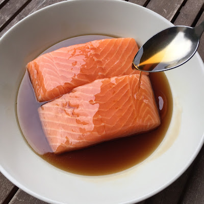 http://gustativement-parlant.blogspot.com/2016/03/paves-de-saumon-la-sauce-teriyaki.html