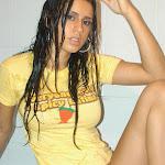 Andrea Rincon, Selena Spice Galeria 31 : Camiseta Amarilla Tanga Amarilla Foto 15