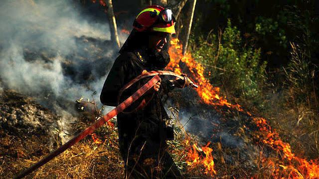 Υπό έλεγχο η πυρκαγιά στα Κάτω Δολιανά