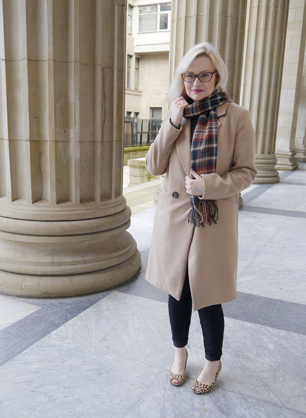 oasis camel coat, tartan scarf style, IOLLA glasses, Caird Hall Dundee, #dundeebloggers, Scottish fashion blogger, leopard print peeptoe shoes, lou lous vintage fair