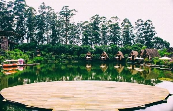 Info Lengkap Buat yang mau liburan ke Dusun Bambu Bandung