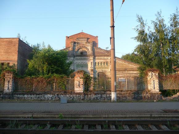 Конотоп. Руины зданий железнодорожных мастерских и цехов