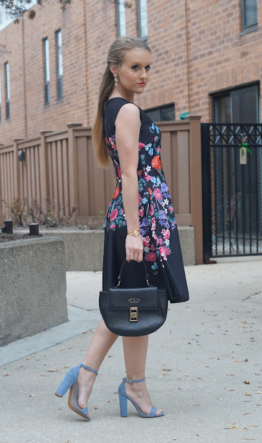 chicago fashion blogger floral dress