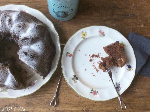 bundt cake en plato y servido