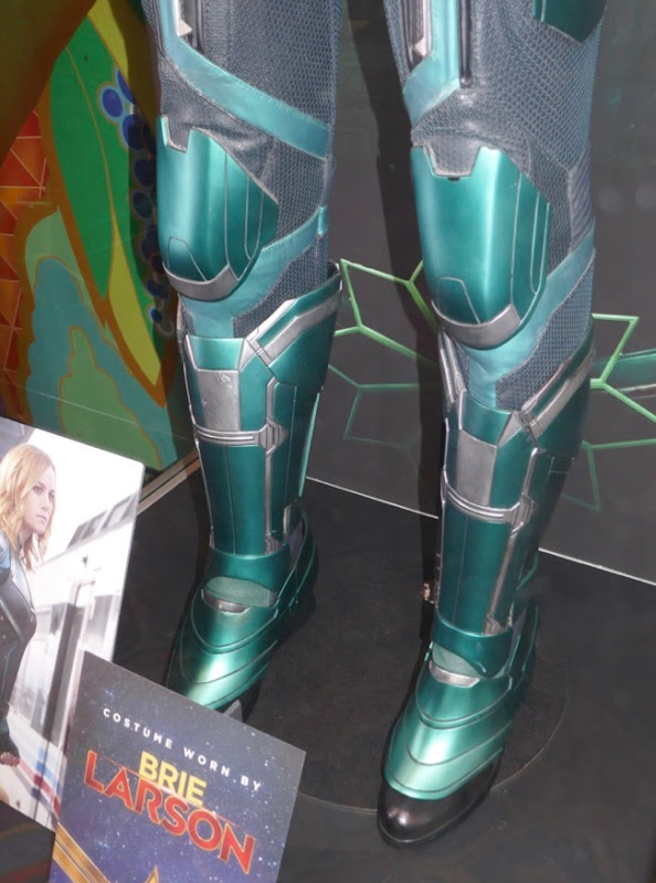 Vers Starforce costume boots Captain Marvel