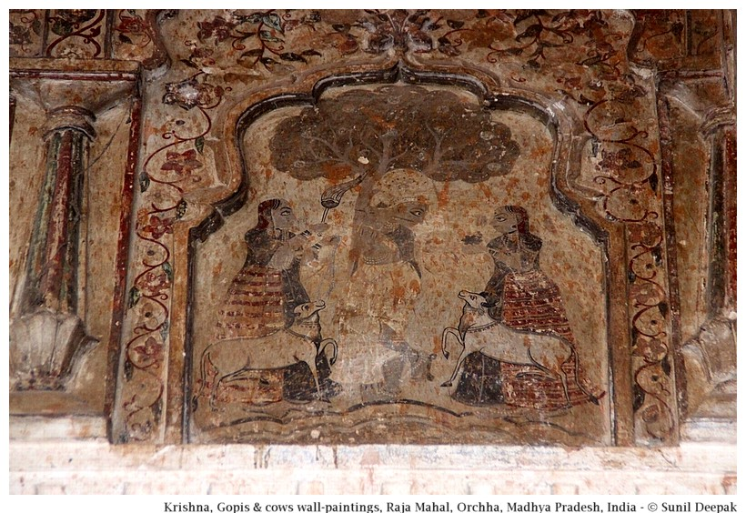 Krishna, gopis and cows in wall painting, Deewane Aaam, Orchha fort, Madhya Pradesh, India - Images by Sunil Deepak