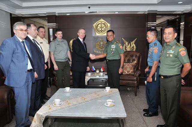 Berita Foto : Panglima TNI Terima Dubes Rusia