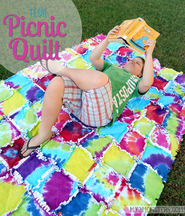 e67d029c742638 Tie Dye Picnic Quilt at my3monsters.com