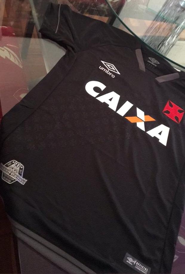 c2dd6161b5 Nova terceira camisa do Vasco da Gama tem imagens vazadas - Show de ...