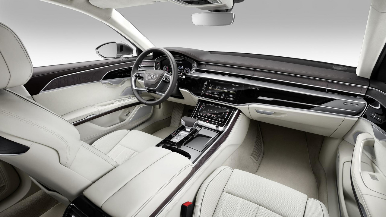 Audi A8L 4 chỗ