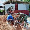 Anggota Satgas TMMD Kodim 0417/Kerinci, Bantu Warga membuat Batu Bata di Desa Sungai Ning
