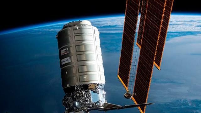 La NASA lanza al espacio un temible patógeno en su lucha contra las 'superbacterias'