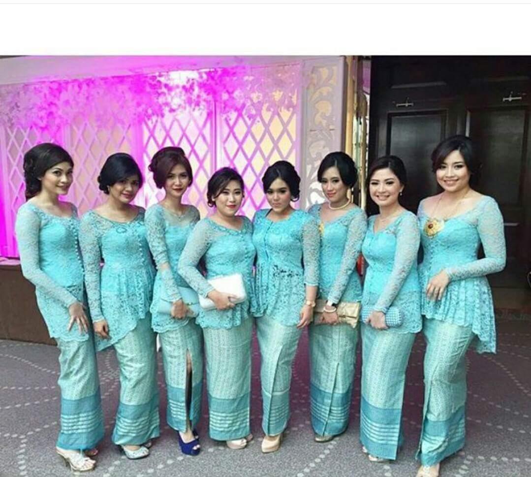 Model Kebaya Seragam Trend 2018 Untuk Pernikahan Acara Keluarga