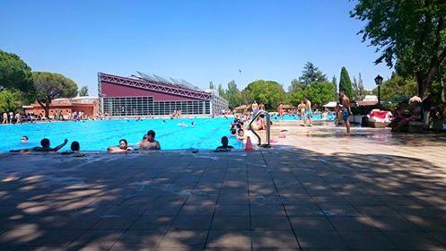 La piscina de verano de aluche no abrir hasta el 15 de for Piscinas comunidad de madrid 2016