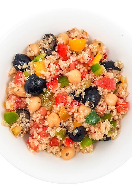 Hladna kvinojina solata od zgoraj