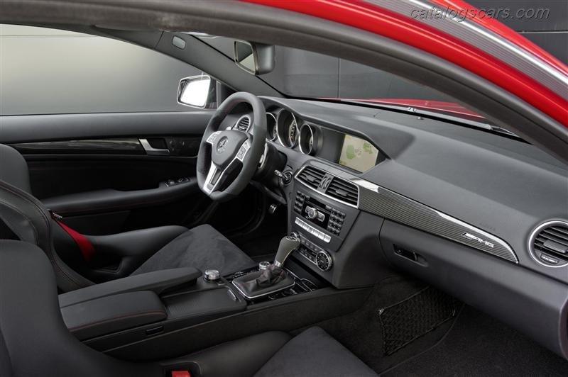 صور سيارة مرسيدس بنز C63 AMG كوبيه الأسود سيريس 2015 - اجمل خلفيات صور عربية مرسيدس بنز سيريس 2015 - Mercedes-Benz C63 AMG Coupe Black Series Photos Mercedes-Benz_C63_AMG_Coupe_Black_Series_2012_800x600_wallpaper_18.jpg