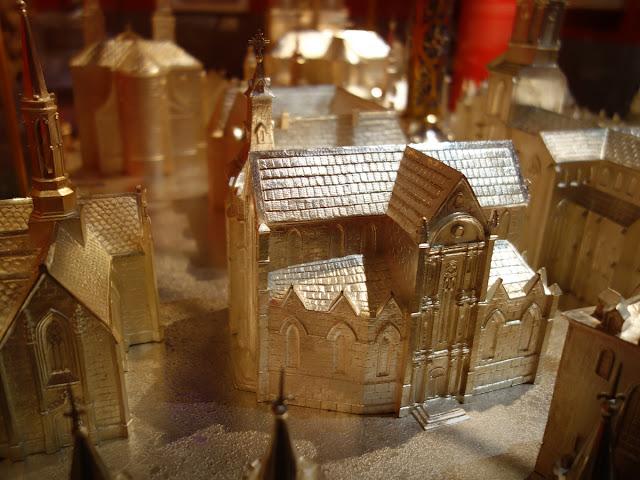 Et l'Église Saint-Germain, qui y figure bien évidemment...