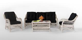 Conjunto de sofas y sillones de rattan