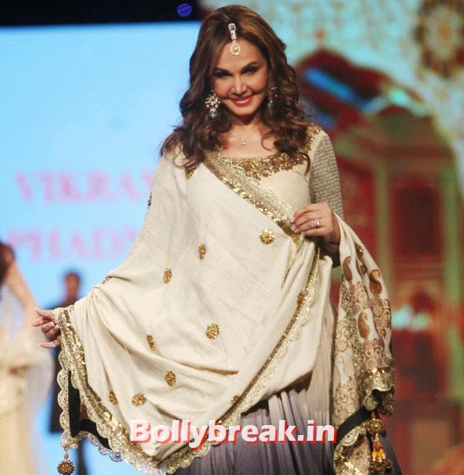 , Hot Indian Models in Saree - Ramp Walk for Cancer Fundraiser Fashion Show