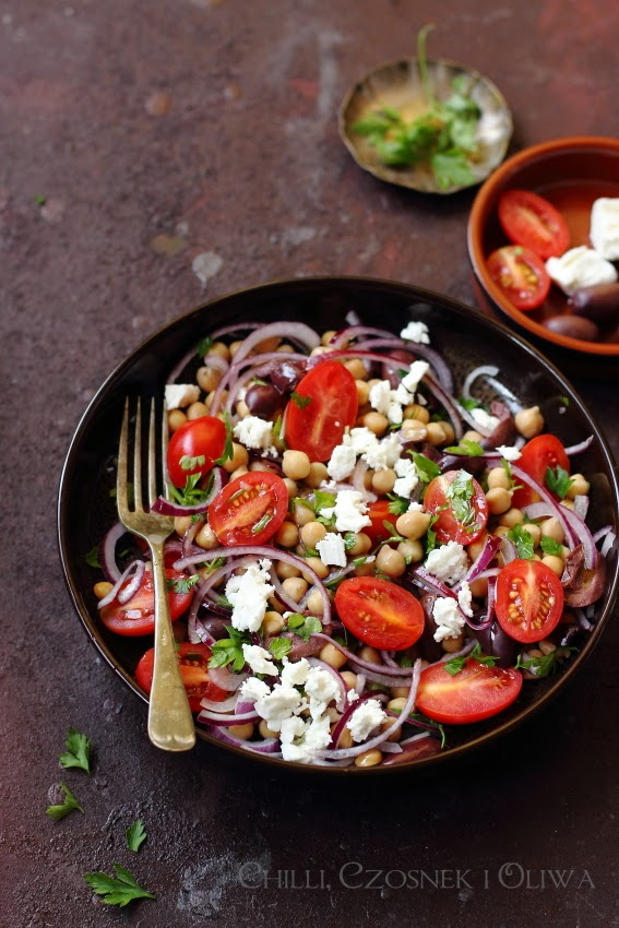 turecka sałatka z ciecierzycy
