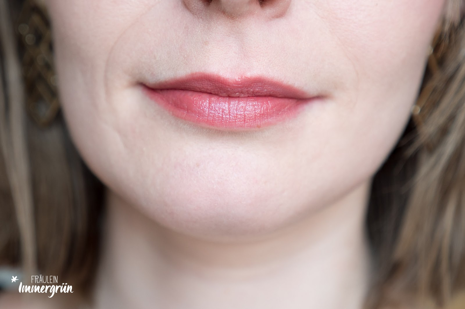 ARIA Pure Lipsticks von Hynt Beauty / Passion Plum / Lippenstift vegan, natürlich / Swatches, Tragefotos