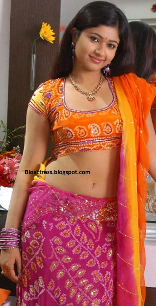 Poonam Bajwa Hot Showing Navel And Cleavage Very Exposing