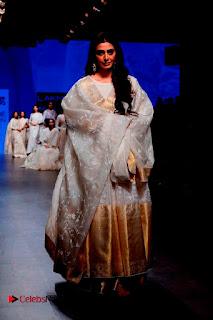 Actress Tabu Walk on Ramp for Gaurang Shah at Lakme Fashion Week  0020.jpg