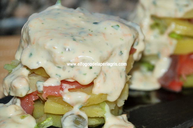 Milhojas de patata con salmón ahumado