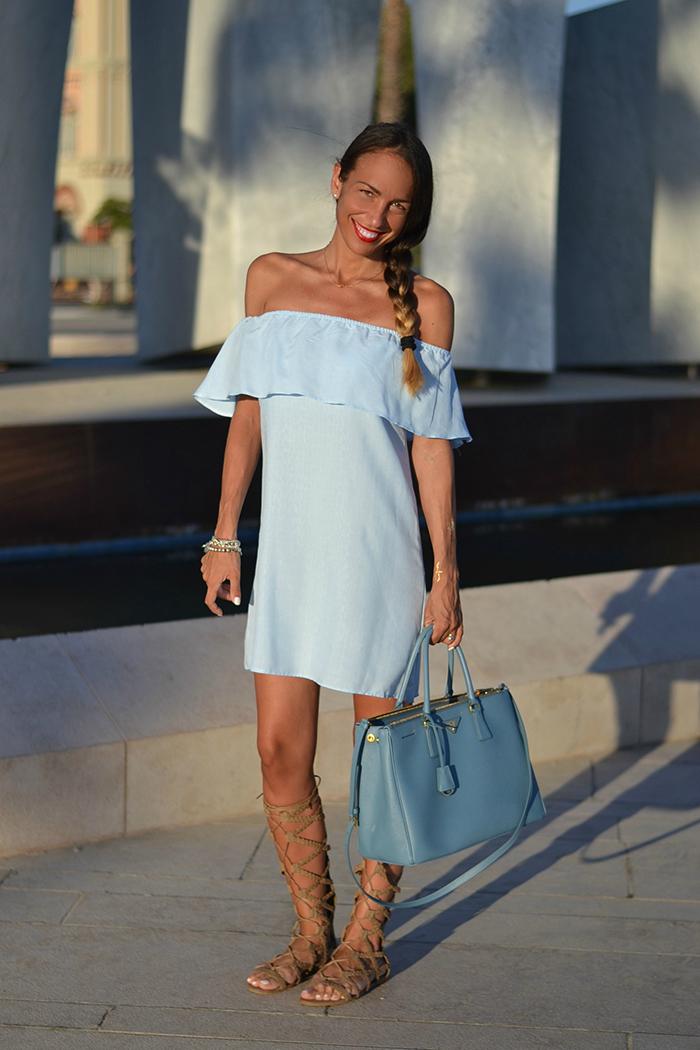 abito azzurro