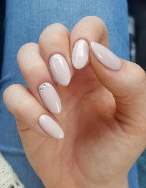 Simple nail arts desgin