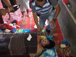 Jenazah korban saat disemsyamkan di rumah duka.