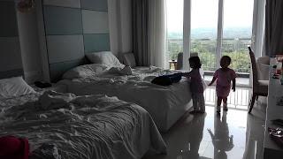 Liburan keluarga di r hotel