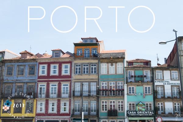 Os cumes dos edifícios do Porto
