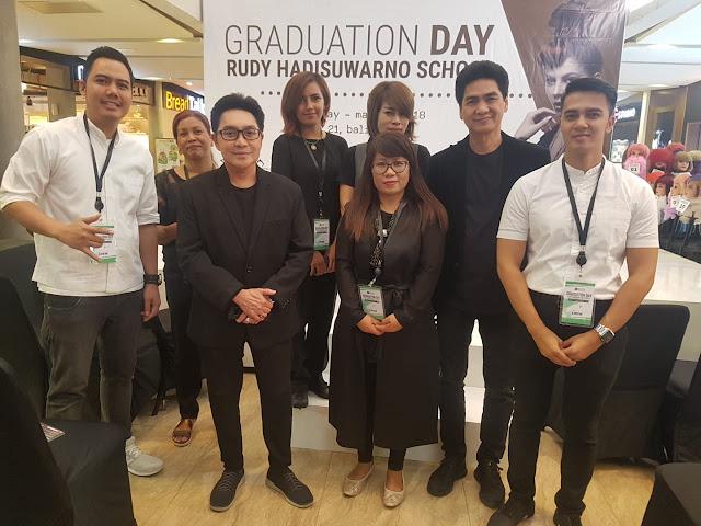 graduation day rudy hadisuwarno school  2018
