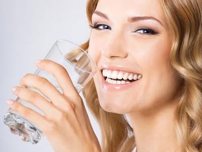Uống nước đủ mỗi ngày tăng cân