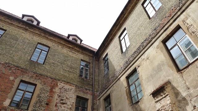Vilniaus bernardinų bažnyčios kiemelis