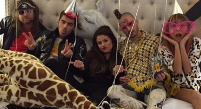 Selena Gomez et Joe Jonas se partageront la scène lors de la tournée de la chanteuse