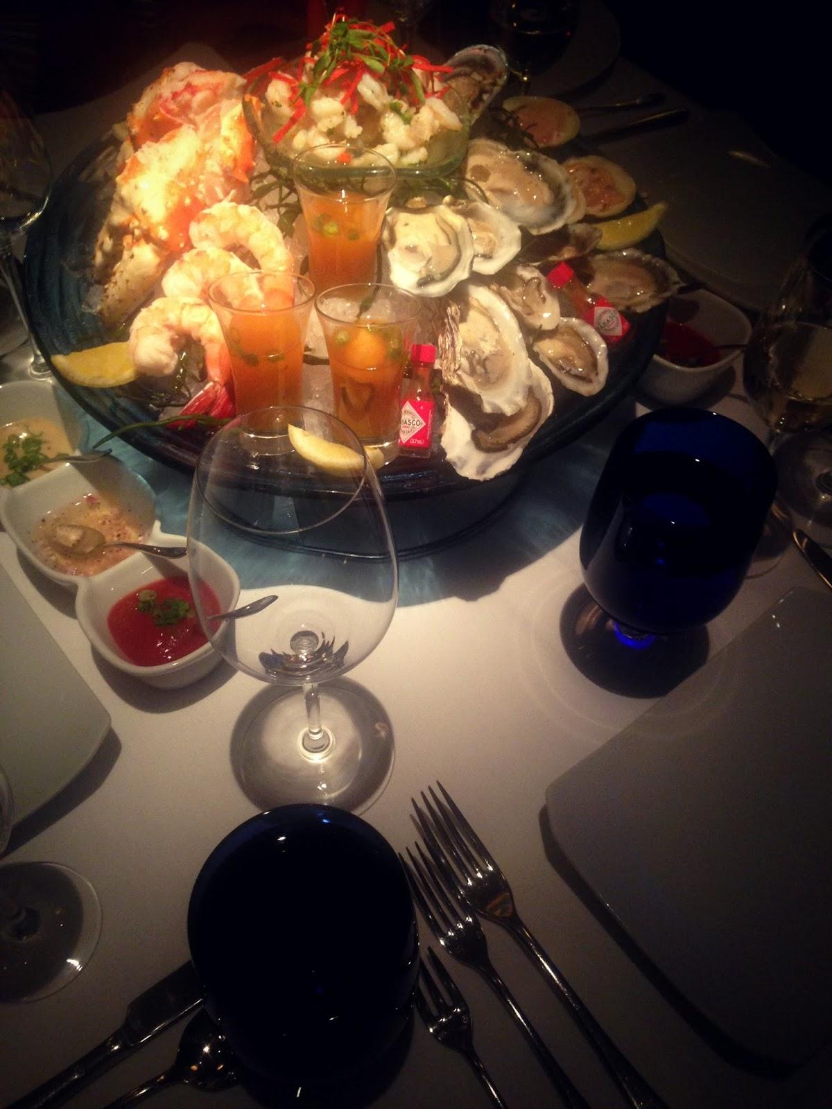 Venetian Hotel Las Vegas Aquaknox divine seafood Restaurant + bar