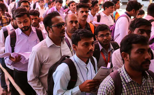 50 Lakh Lost Jobs Over 2 Years, Trend Began Just After Notes Ban: Report, News, New Delhi, Report, Demonetization, Lok Sabha, Election, Unemployment, Narendra Modi, Trending, Report, Media, Education, National