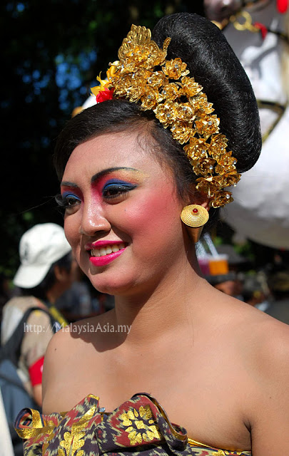 Traditional costume Balinese