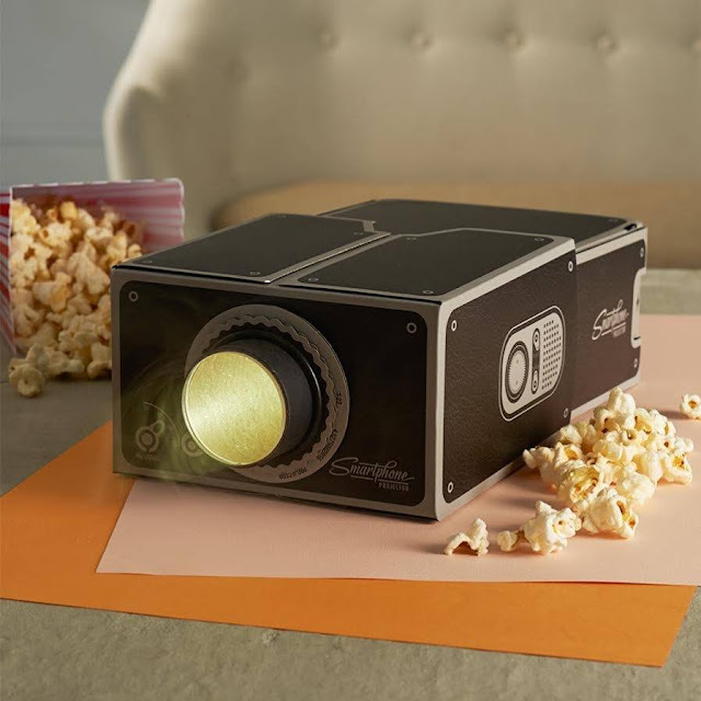 Green Pear Diaries, gadgets, creatividad, Smartphone Projector