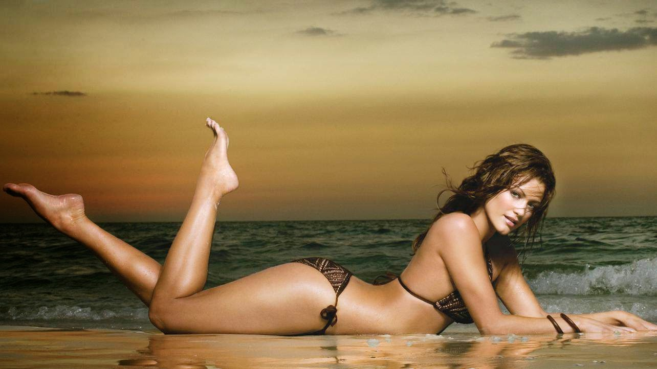 Bikini Pictures Of Hot Wwe Modles 68